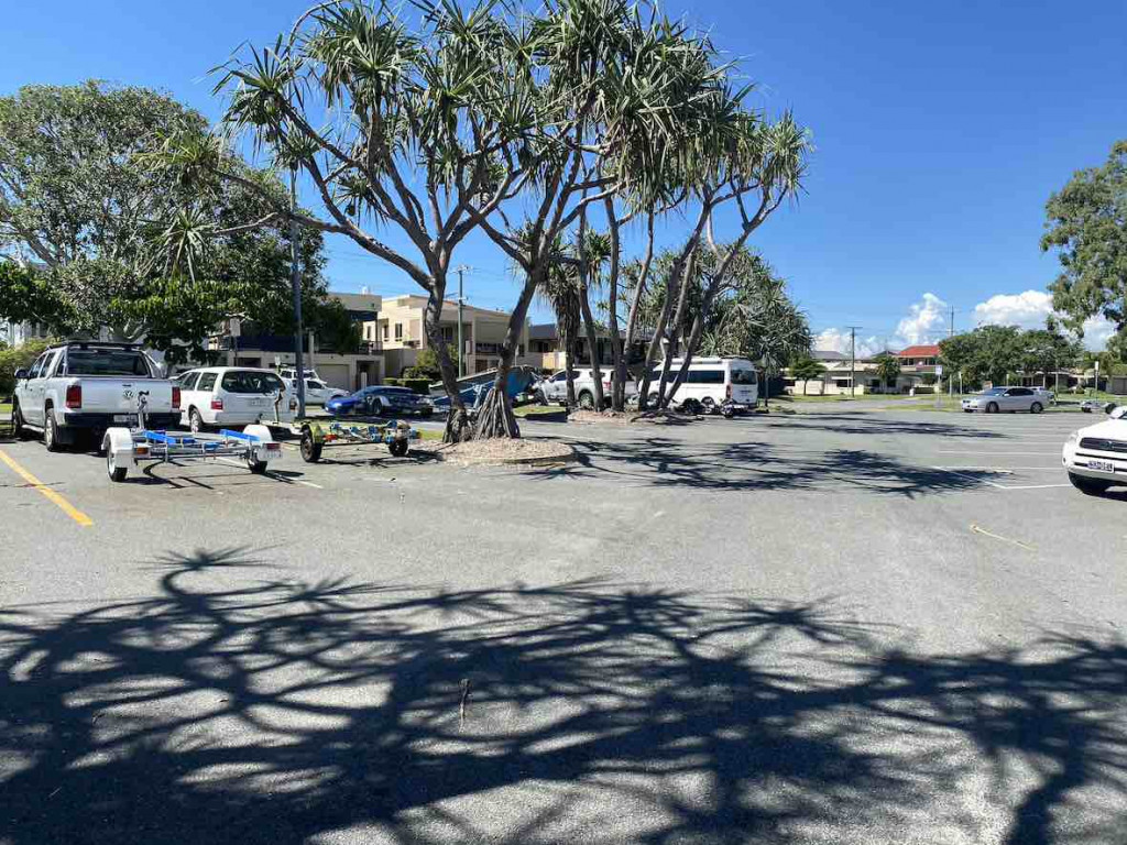 Paradise point parking
